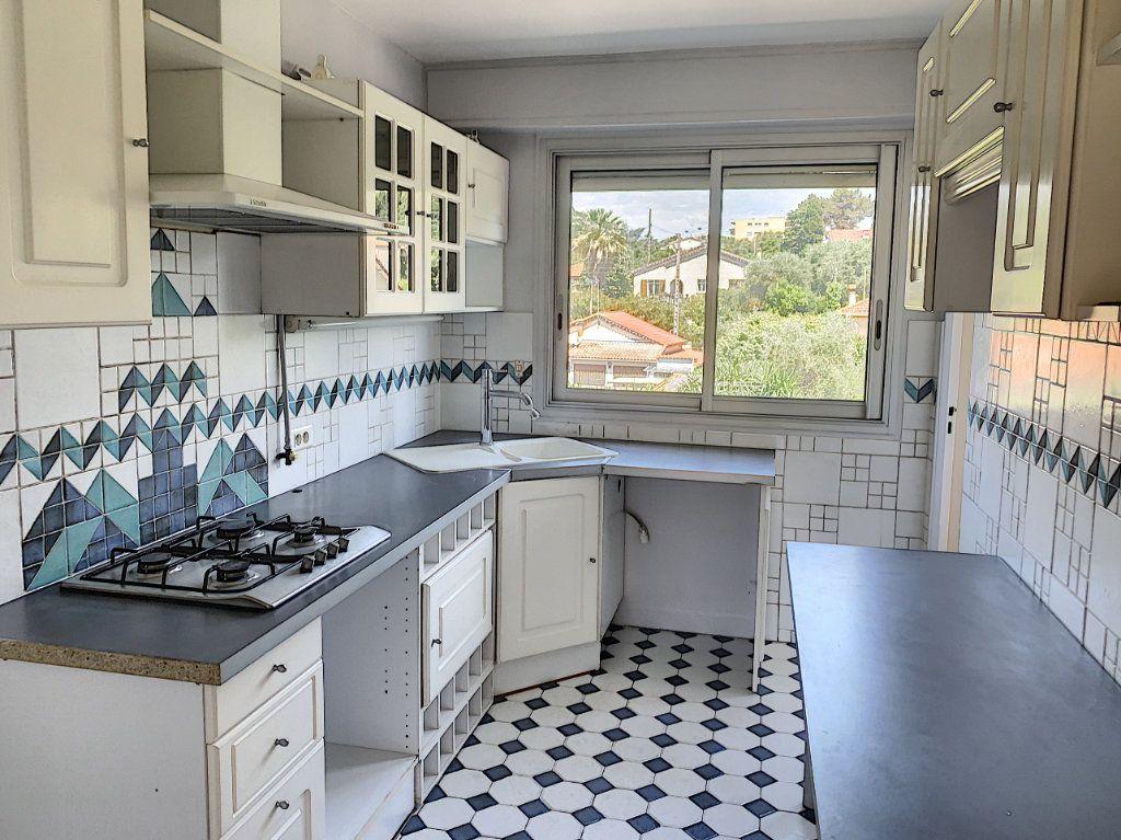 Appartement à vendre 3 63.44m2 à Le Cannet vignette-3