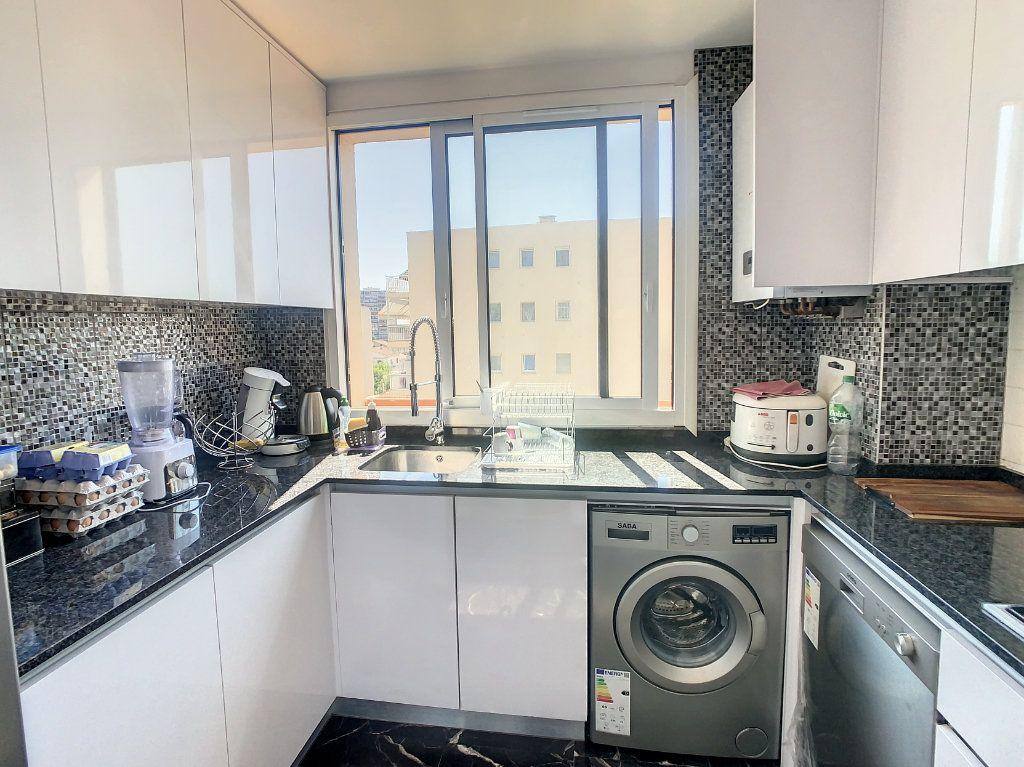 Appartement à vendre 3 74.51m2 à Argenteuil vignette-3