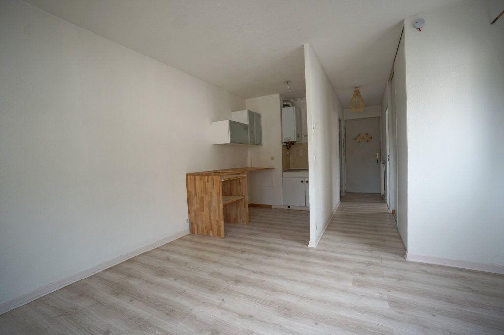 Appartement à louer 1 30.4m2 à Peymeinade vignette-1