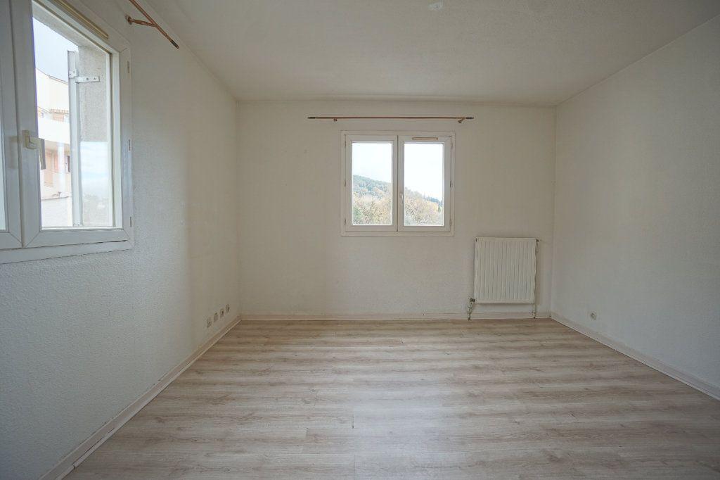 Appartement à louer 1 30.4m2 à Peymeinade vignette-2