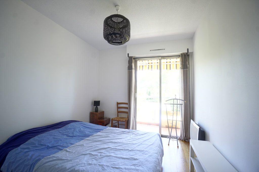Appartement à louer 2 45.5m2 à Le Cannet vignette-6