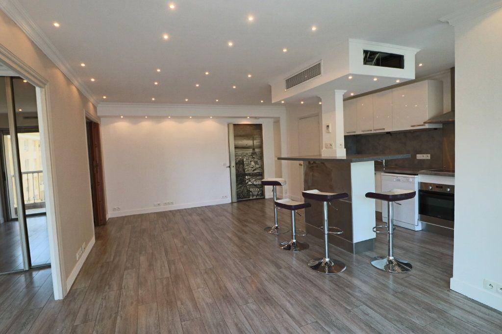 Appartement à louer 2 45.38m2 à Cannes vignette-3