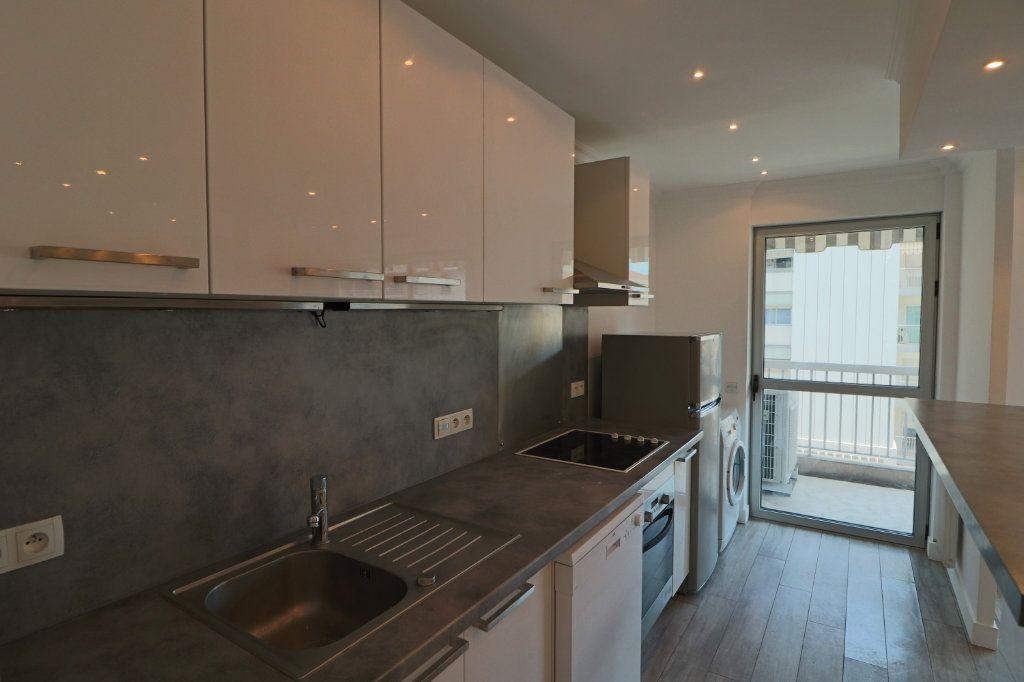 Appartement à louer 2 45.38m2 à Cannes vignette-4