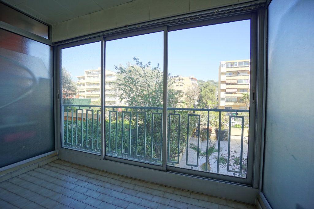 Appartement à louer 2 50.14m2 à Le Cannet vignette-3