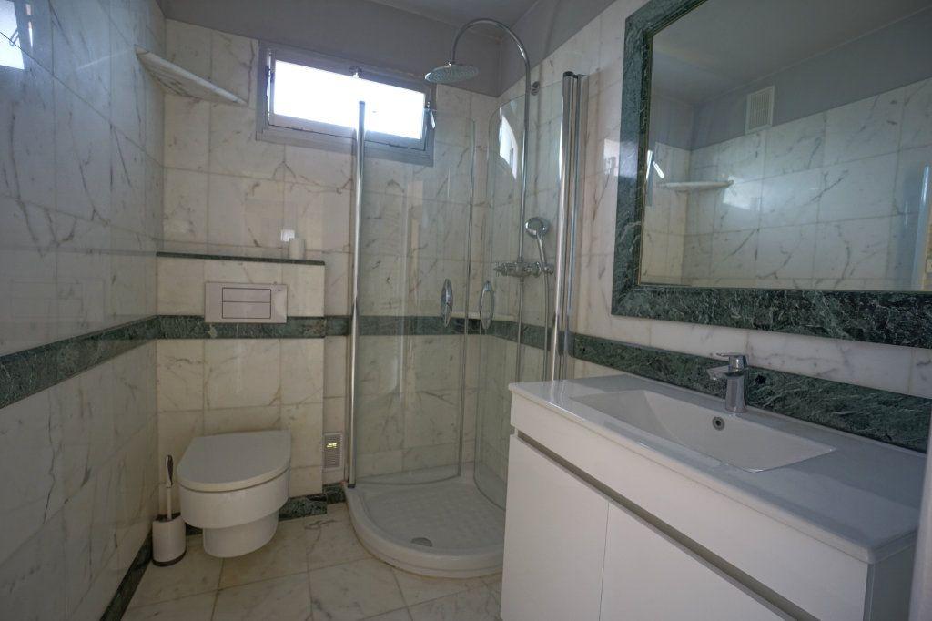 Appartement à louer 4 76.25m2 à Le Cannet vignette-7