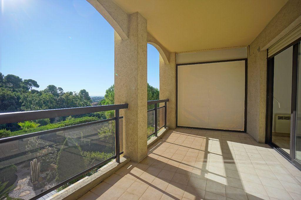 Appartement à louer 3 65.42m2 à Mougins vignette-2