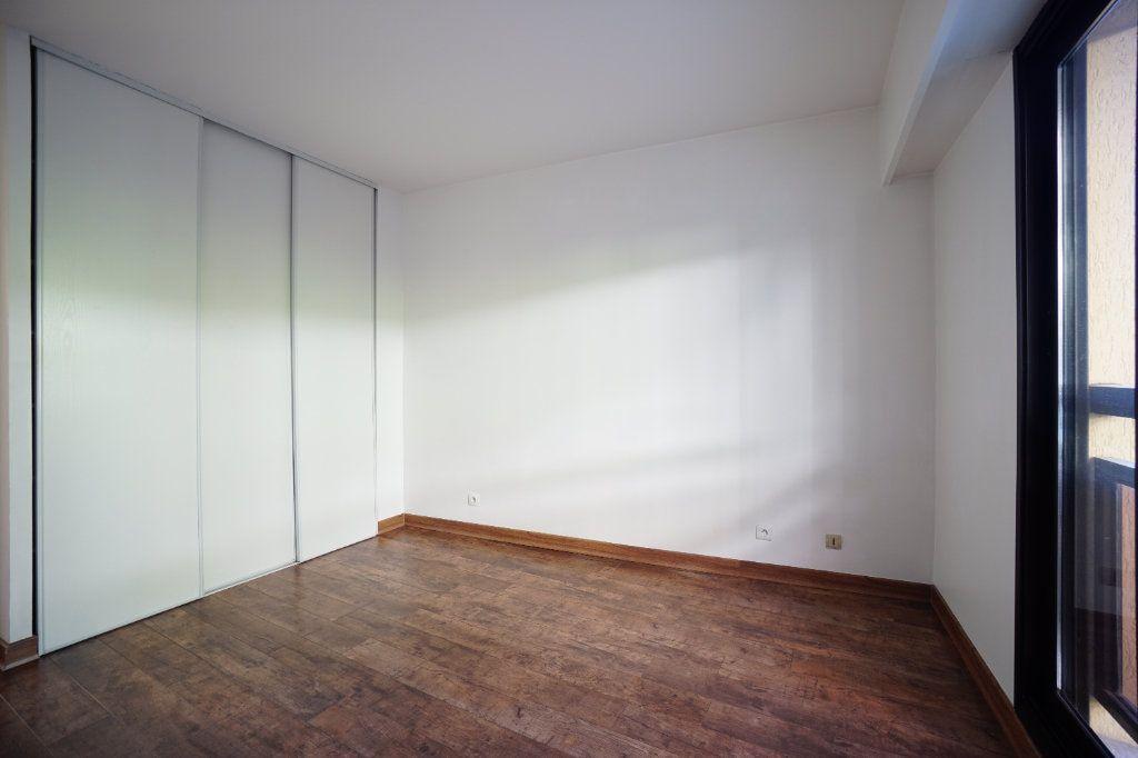 Appartement à louer 3 65.42m2 à Mougins vignette-6