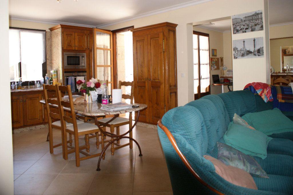 Maison à vendre 4 118.45m2 à Lectoure vignette-9
