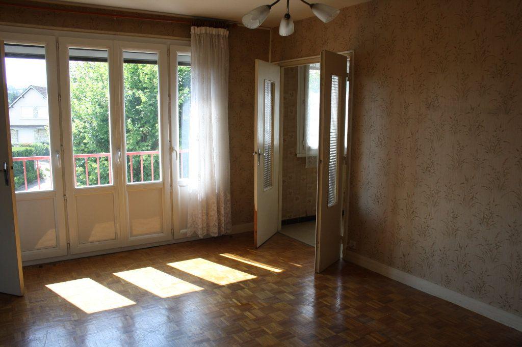 Appartement à vendre 3 63.39m2 à Auxerre vignette-3
