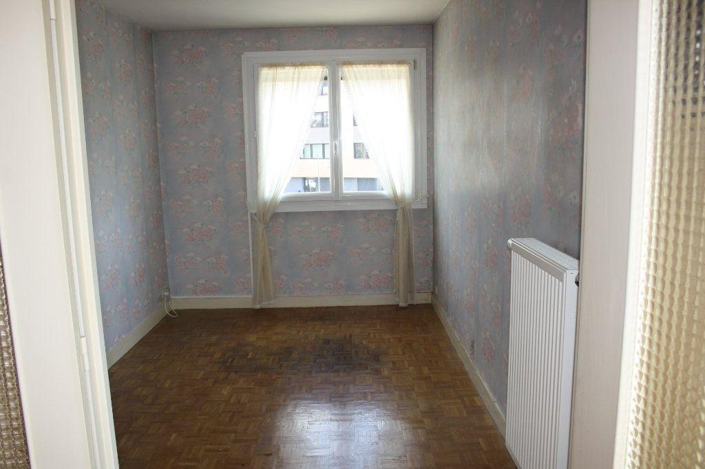 Appartement à vendre 3 63.39m2 à Auxerre vignette-4