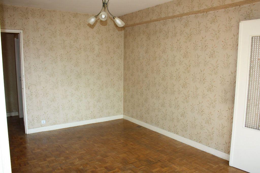 Appartement à vendre 3 63.39m2 à Auxerre vignette-5