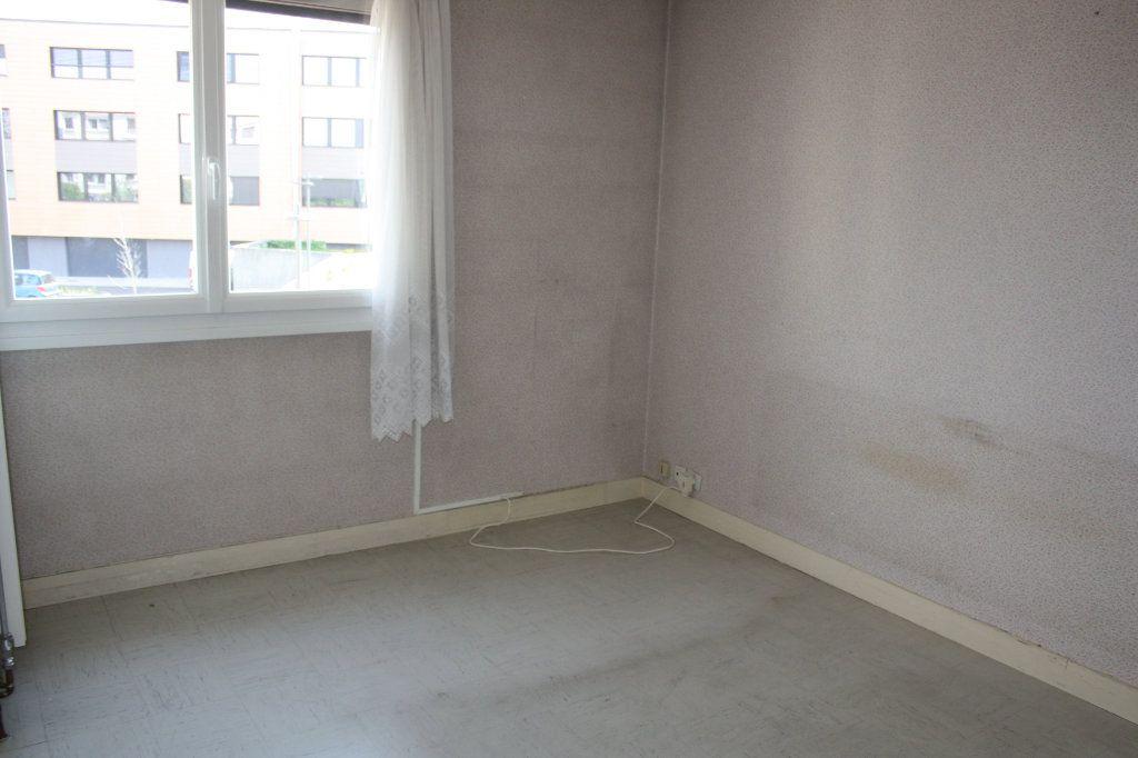Appartement à vendre 3 63.39m2 à Auxerre vignette-7
