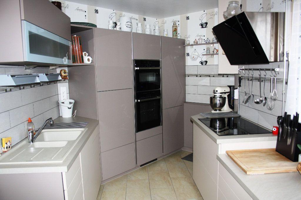 Appartement à vendre 5 133m2 à Auxerre vignette-1