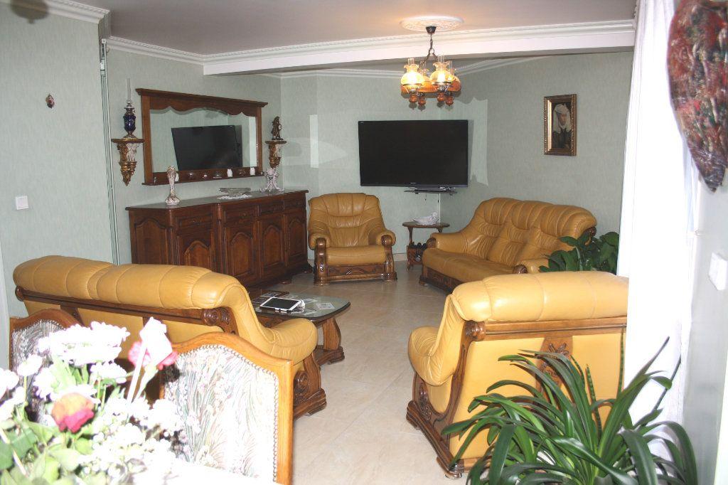 Appartement à vendre 5 133m2 à Auxerre vignette-2