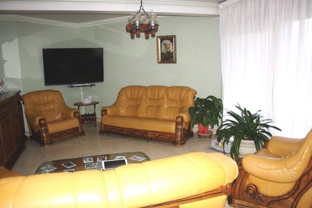 Appartement à vendre 5 133m2 à Auxerre vignette-4