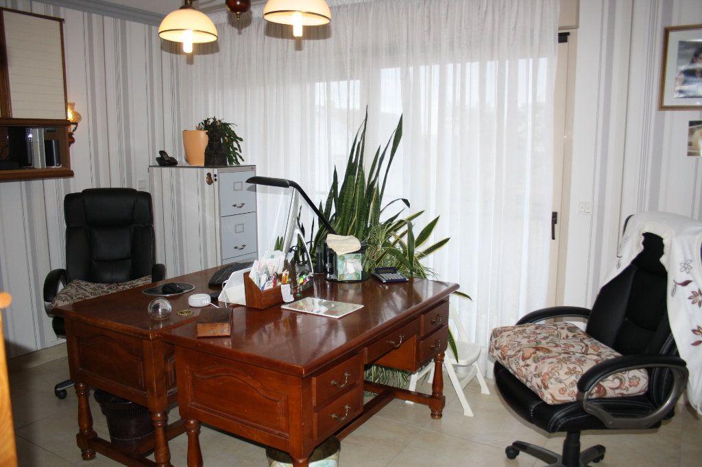 Appartement à vendre 5 133m2 à Auxerre vignette-7