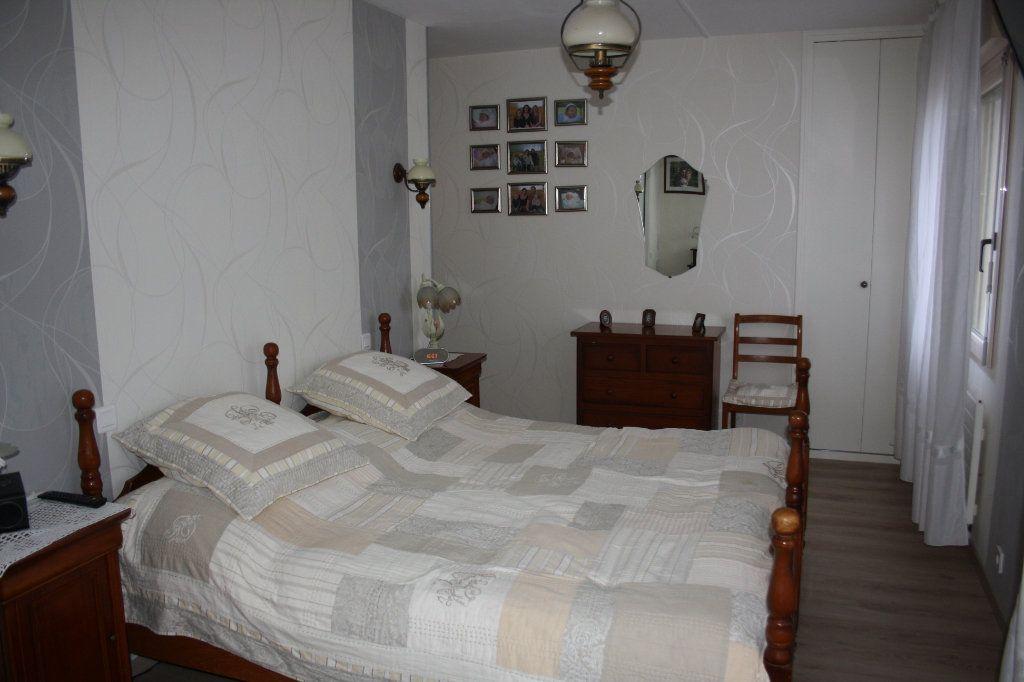 Appartement à vendre 5 133m2 à Auxerre vignette-8