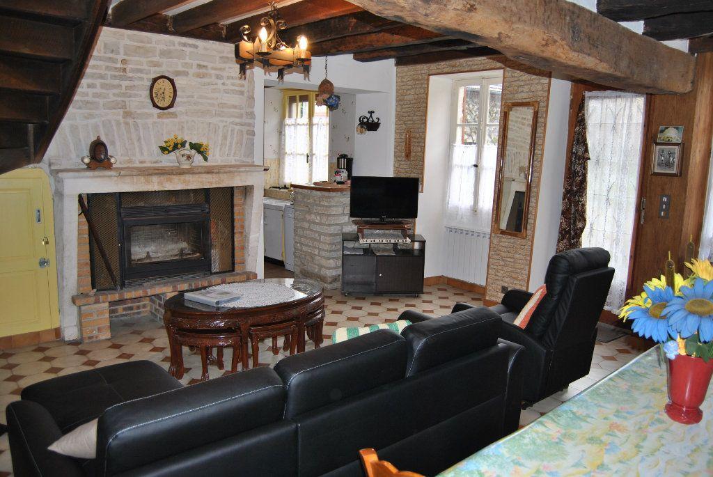 Maison à vendre 3 71m2 à Poilly-sur-Serein vignette-1