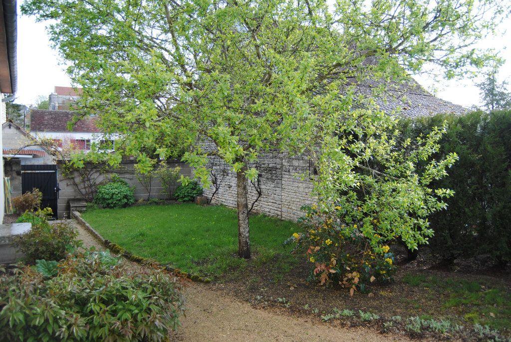 Maison à vendre 3 71m2 à Poilly-sur-Serein vignette-3