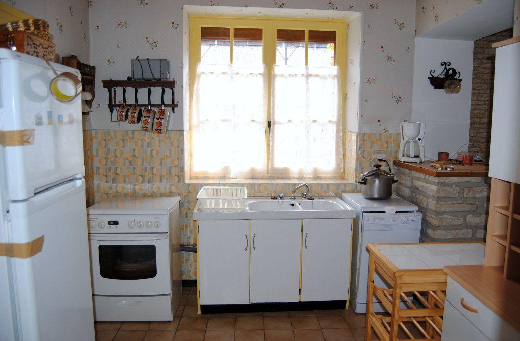 Maison à vendre 3 71m2 à Poilly-sur-Serein vignette-4