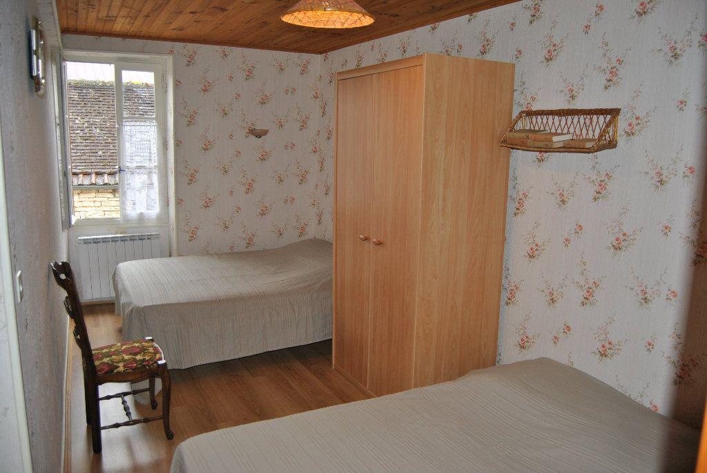 Maison à vendre 3 71m2 à Poilly-sur-Serein vignette-6