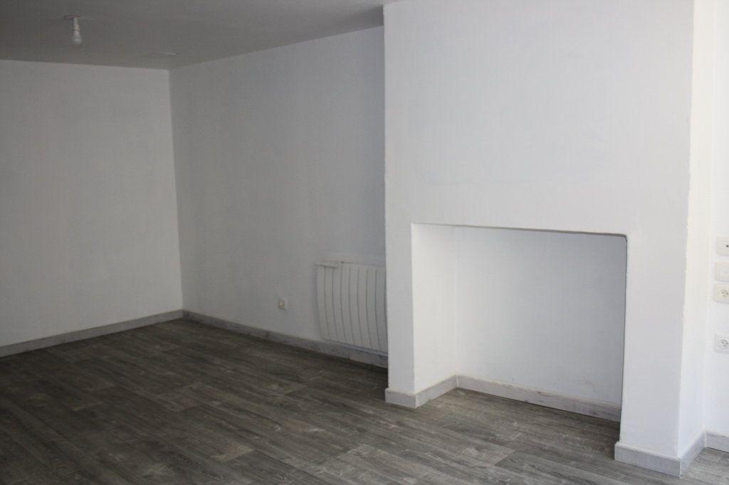 Appartement à louer 3 45.85m2 à Appoigny vignette-1