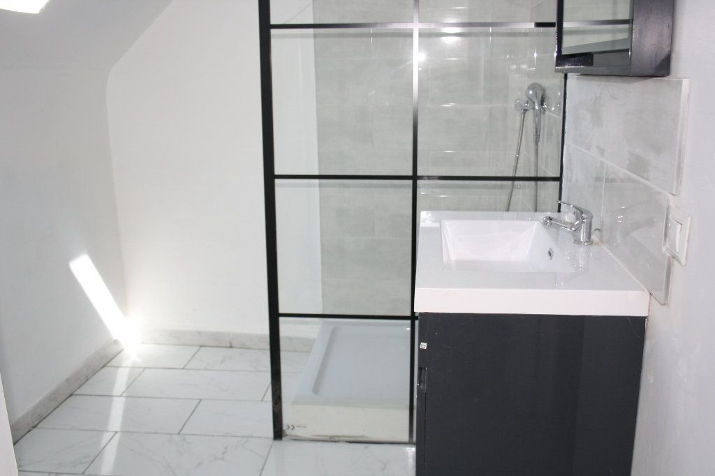Appartement à louer 3 45.85m2 à Appoigny vignette-4