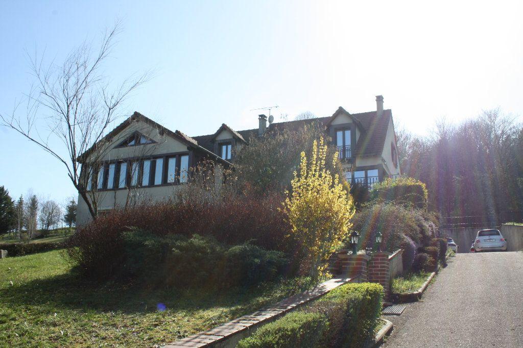 Maison à vendre 9 195m2 à Auxerre vignette-1