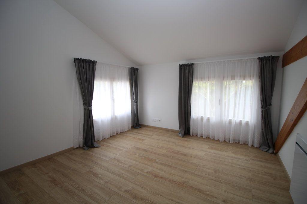 Maison à vendre 6 183.81m2 à Rieucros vignette-5