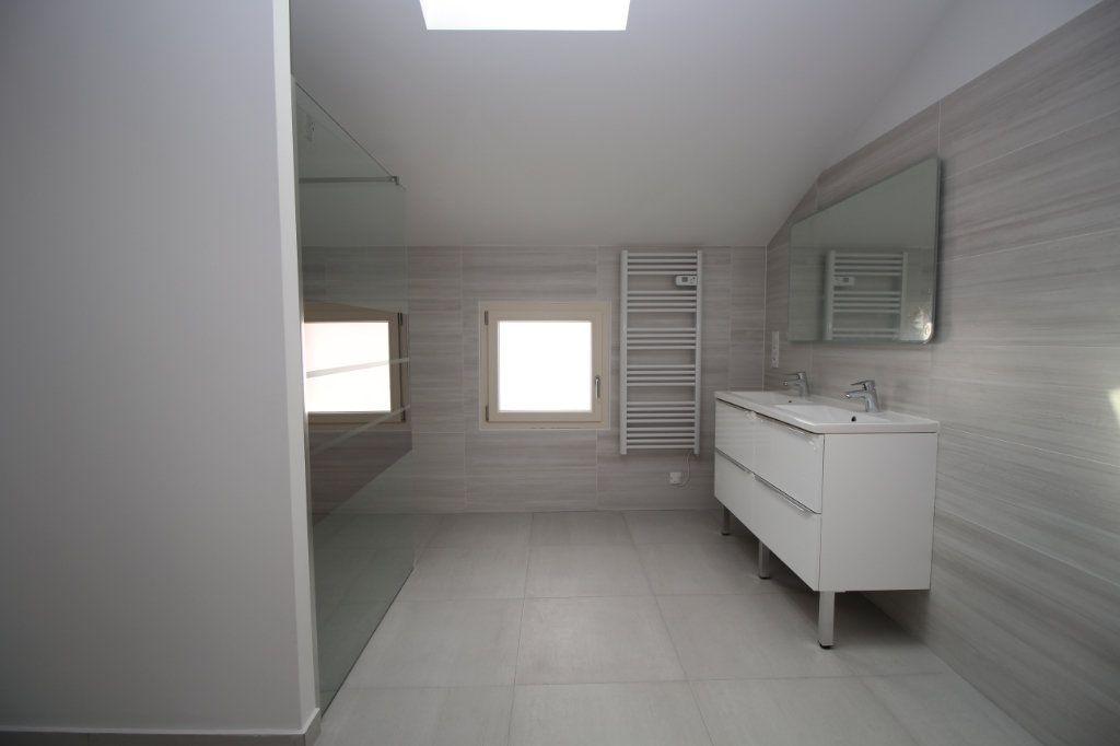 Maison à vendre 6 183.81m2 à Rieucros vignette-7