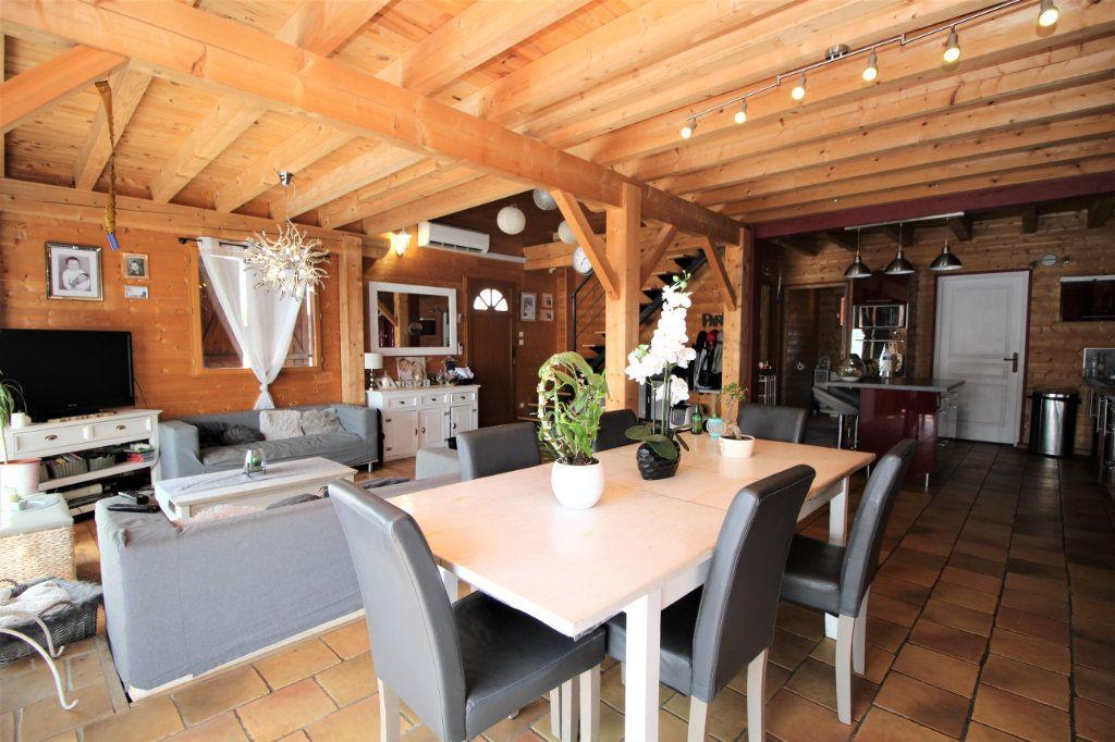 Maison à vendre 5 103m2 à Le Carlaret vignette-1