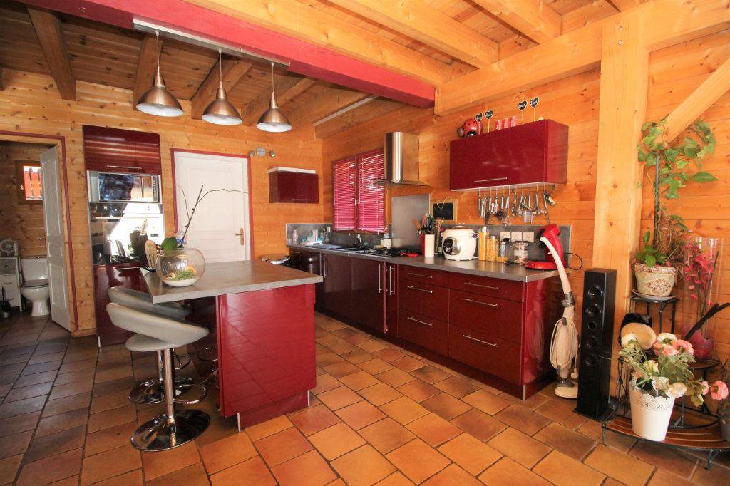 Maison à vendre 5 103m2 à Le Carlaret vignette-2