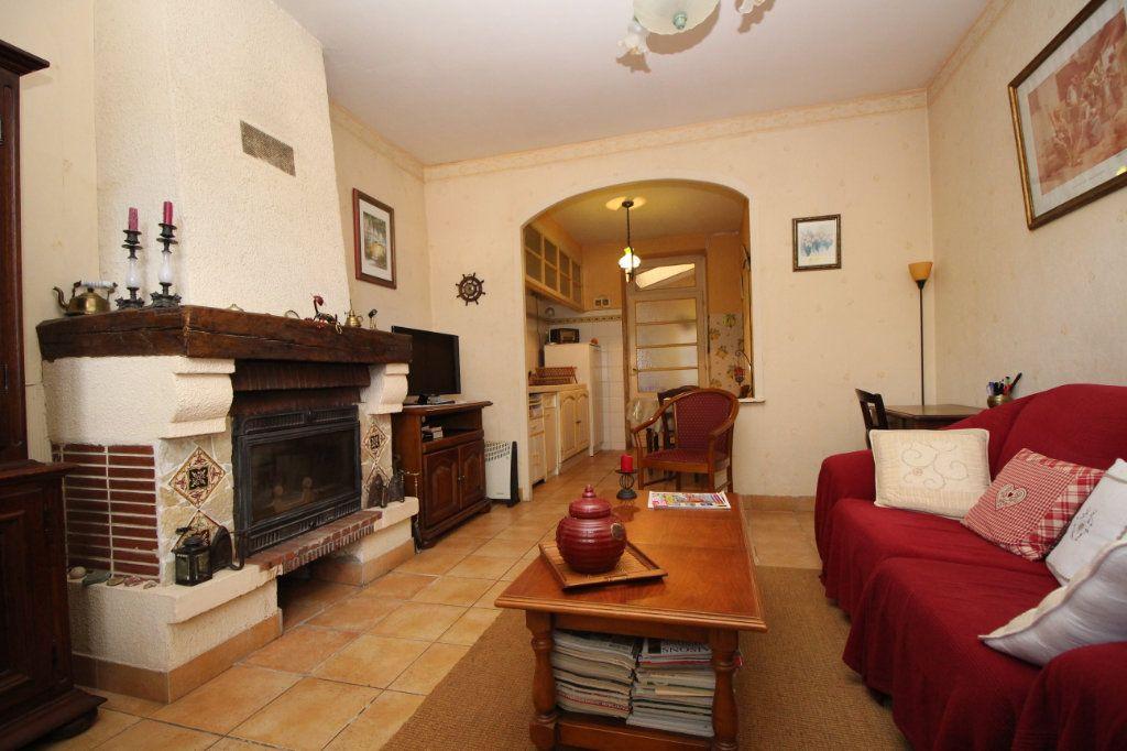 Maison à vendre 5 101m2 à Saint-Paul-de-Jarrat vignette-1