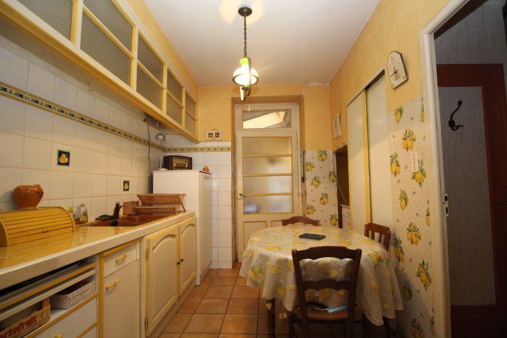 Maison à vendre 5 101m2 à Saint-Paul-de-Jarrat vignette-3