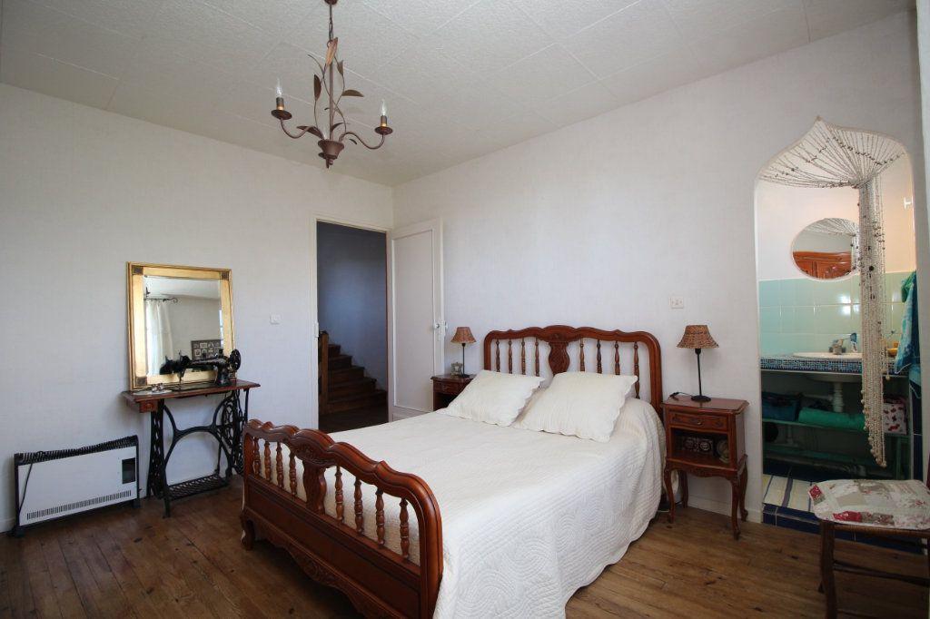 Maison à vendre 5 101m2 à Saint-Paul-de-Jarrat vignette-4