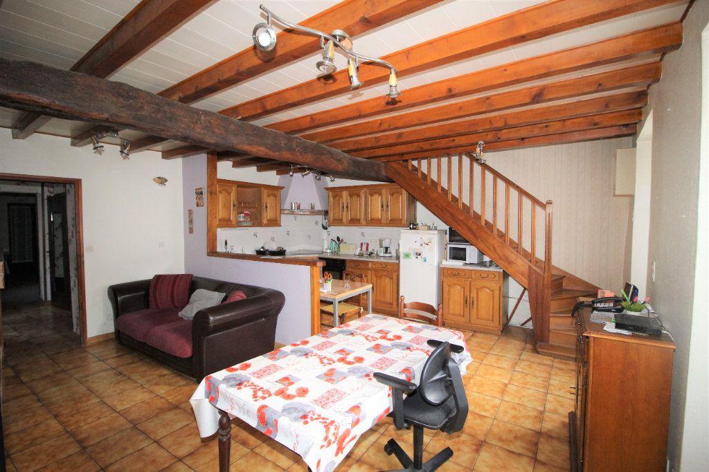 Maison à vendre 5 138m2 à Benagues vignette-1