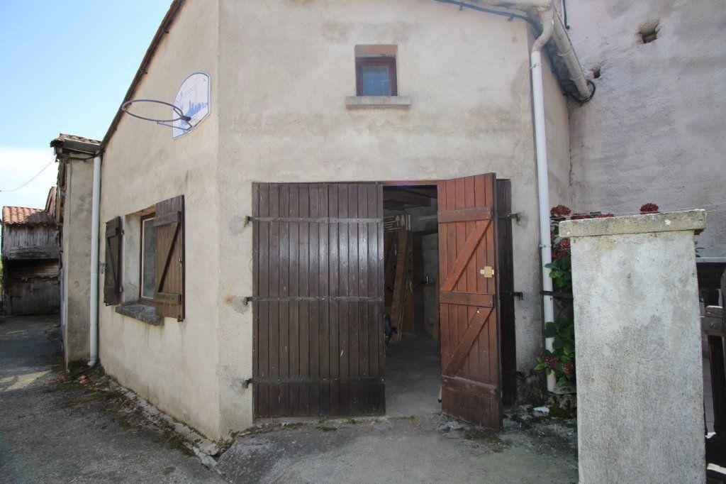 Maison à vendre 5 138m2 à Benagues vignette-10