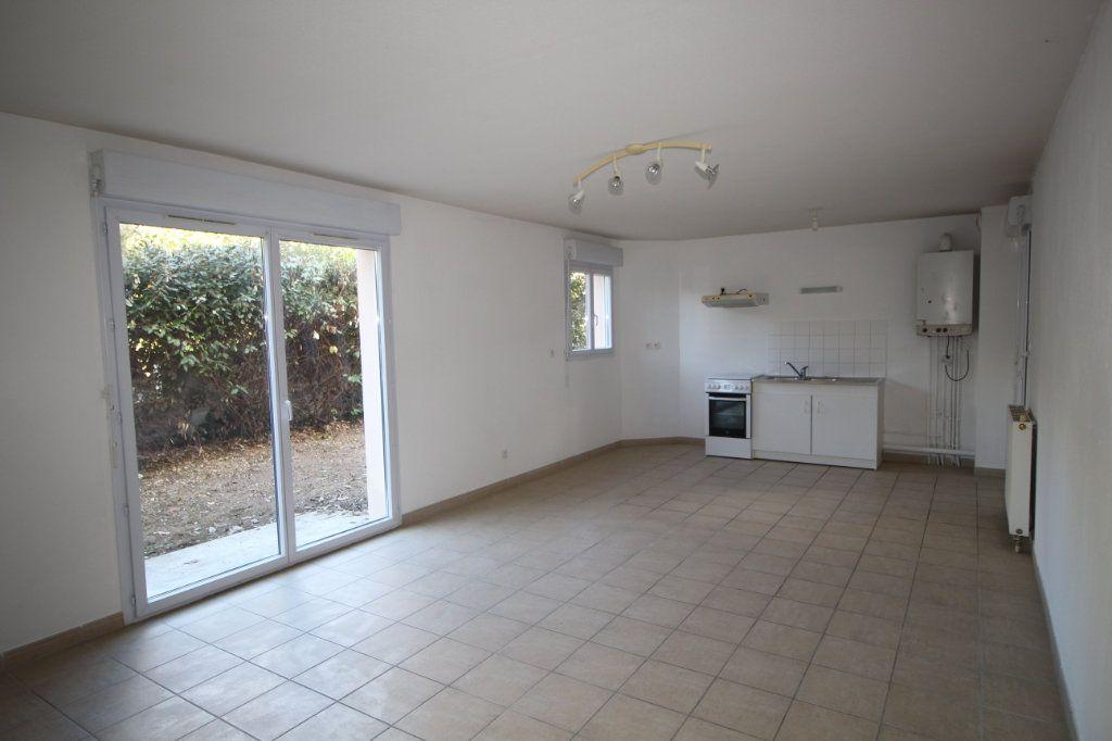 Appartement à louer 3 60.51m2 à Pamiers vignette-1