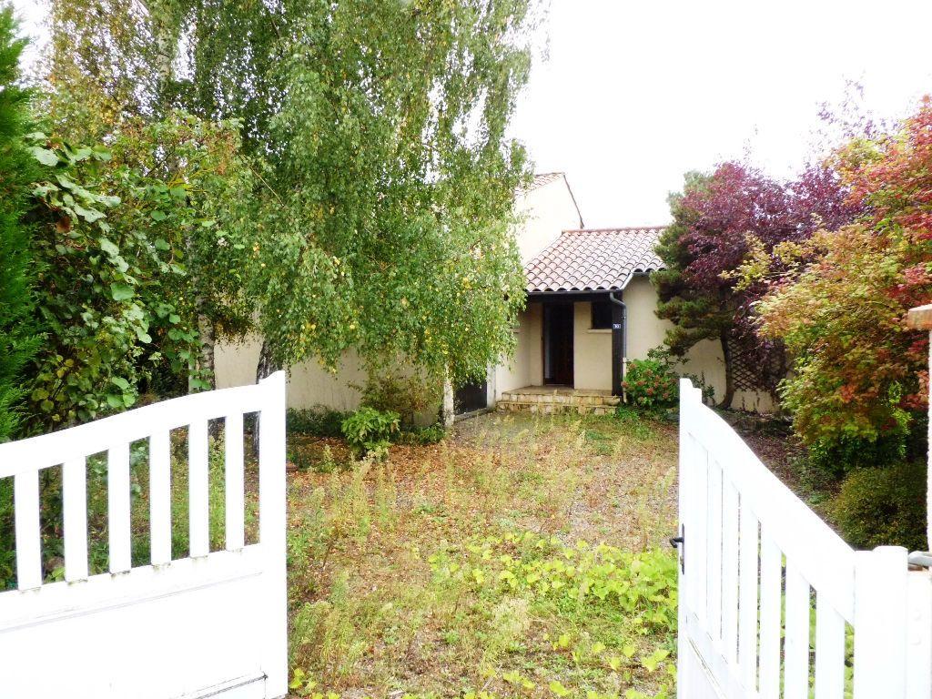 Maison à louer 5 135m2 à Verniolle vignette-1