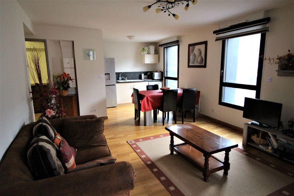 Appartement à louer 2 53.79m2 à Foix vignette-1