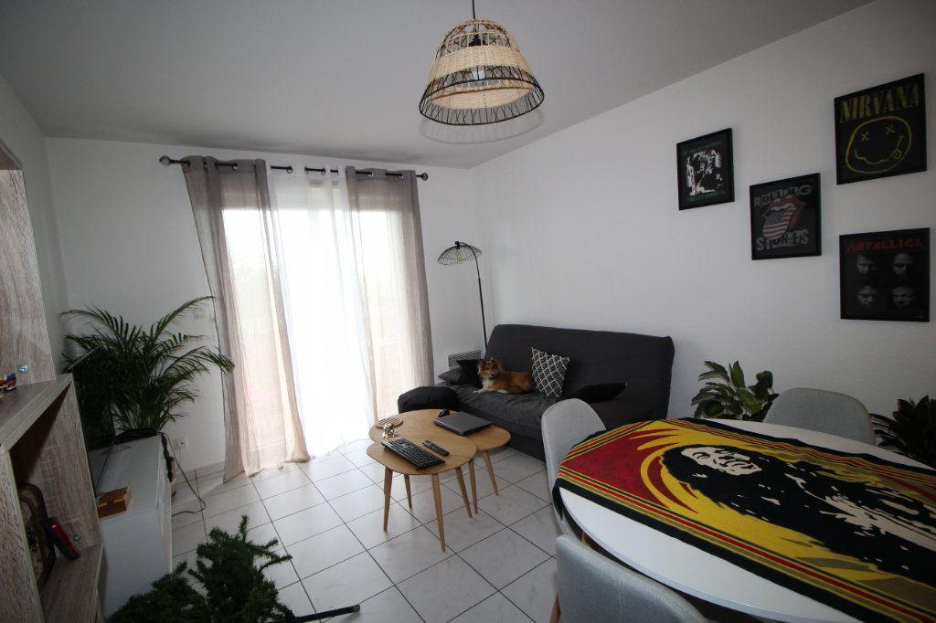 Appartement à louer 2 41.09m2 à Pamiers vignette-3