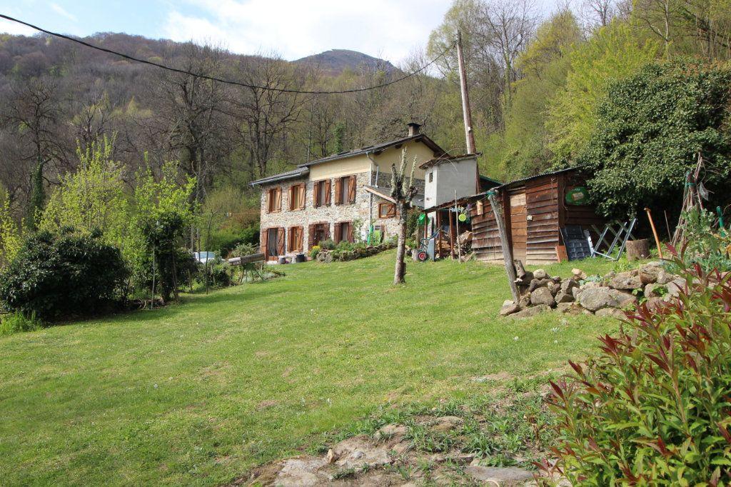 Maison à vendre 8 145.16m2 à Saurat vignette-2
