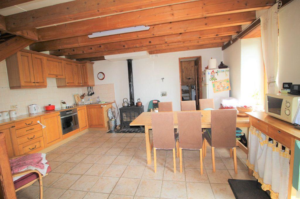 Maison à vendre 8 145.16m2 à Saurat vignette-5