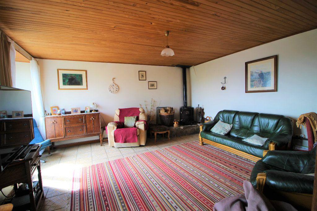 Maison à vendre 8 145.16m2 à Saurat vignette-6
