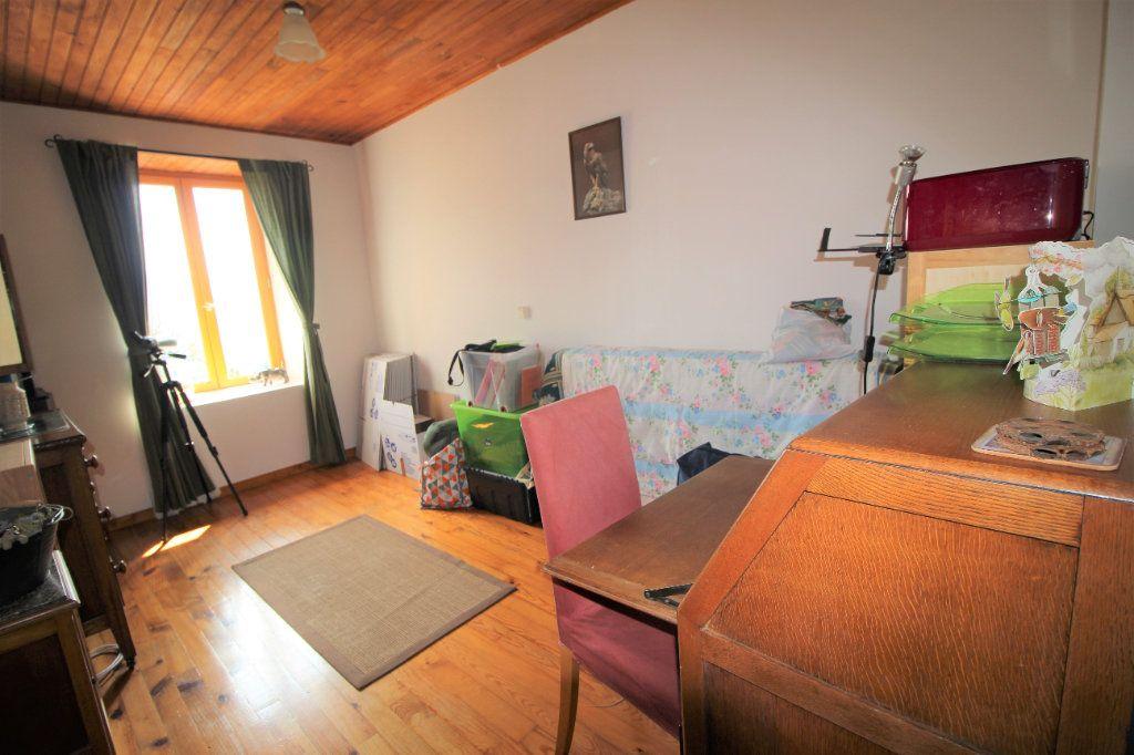 Maison à vendre 8 145.16m2 à Saurat vignette-8