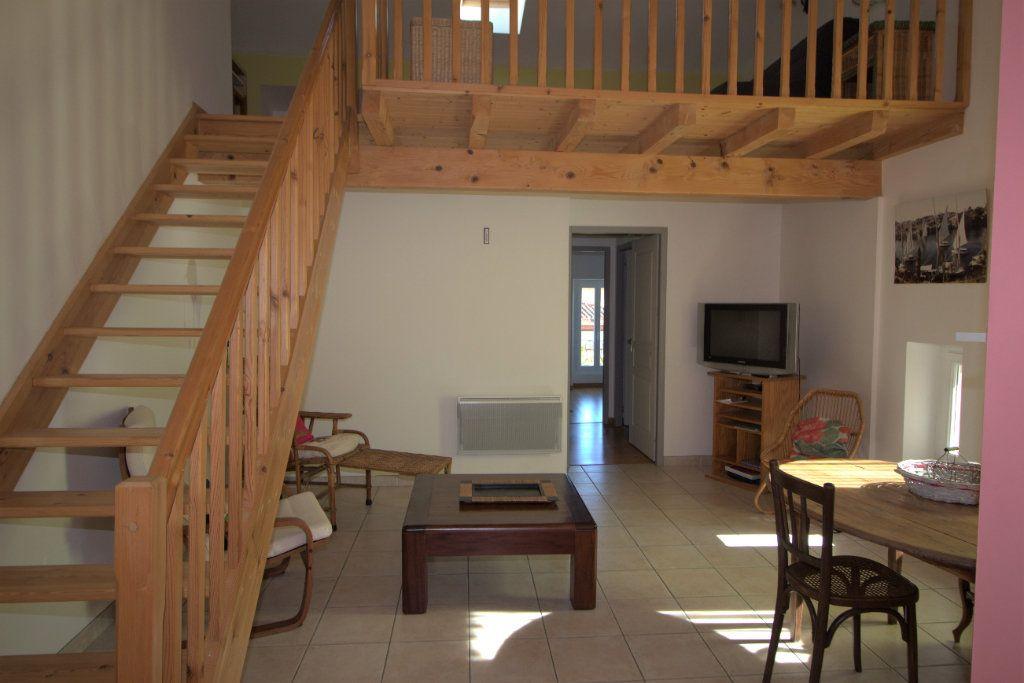 Appartement à louer 2 58.43m2 à Pamiers vignette-1