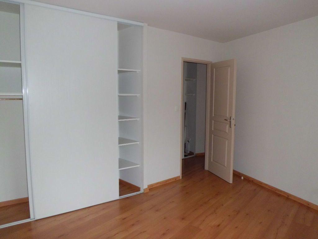 Appartement à louer 3 79.1m2 à Pamiers vignette-3