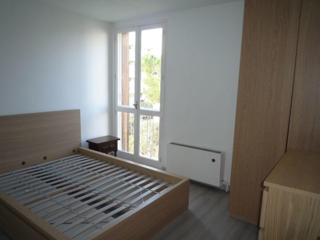 Appartement à louer 4 73.11m2 à Marseille 8 vignette-3