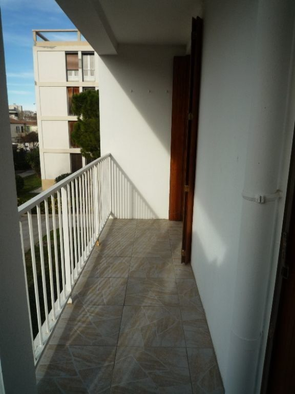 Appartement à louer 4 73.11m2 à Marseille 8 vignette-4