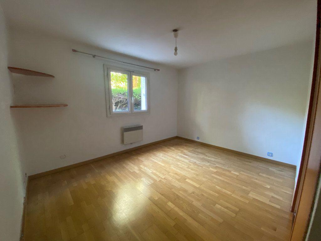 Appartement à louer 3 66.27m2 à Marseille 8 vignette-4